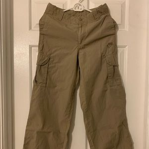 Nike cargo cropped pants